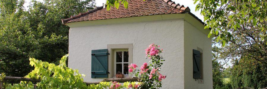 Zehn Jahre Bronnersches Gartenhaus und zweites Rosenfrühstück